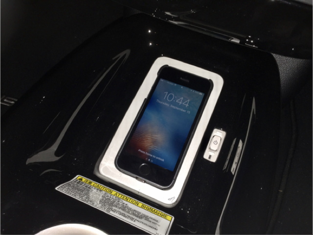 wireless charging for my iphone se a personal experience. Black Bedroom Furniture Sets. Home Design Ideas